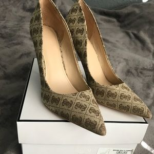 Guess Pointed-Toe Heels